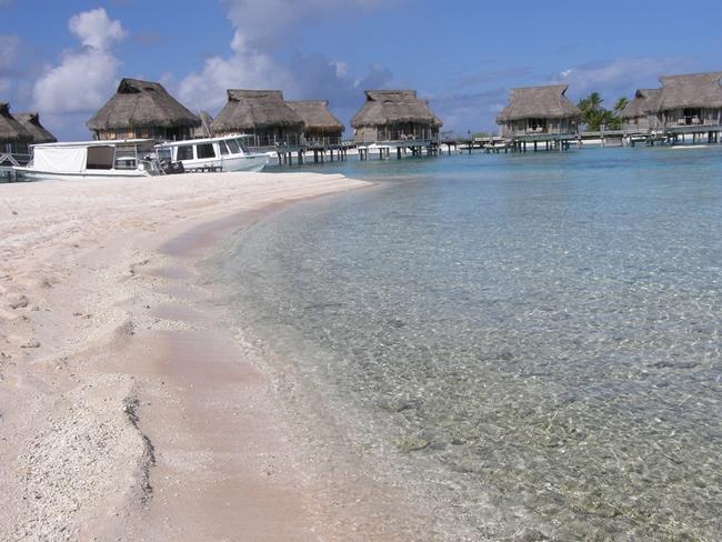 ピンクサンドのビーチ