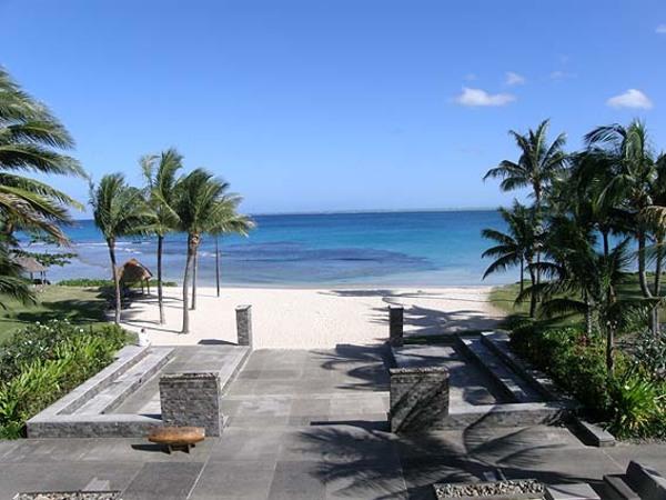 ビチレブ島の南西にあるインターコンチネンタル フィジー