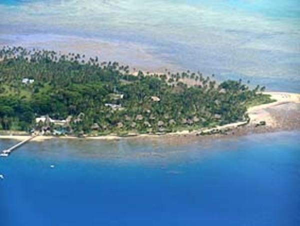 バヌアレブ島のサブサブにあるクストー・リゾート!